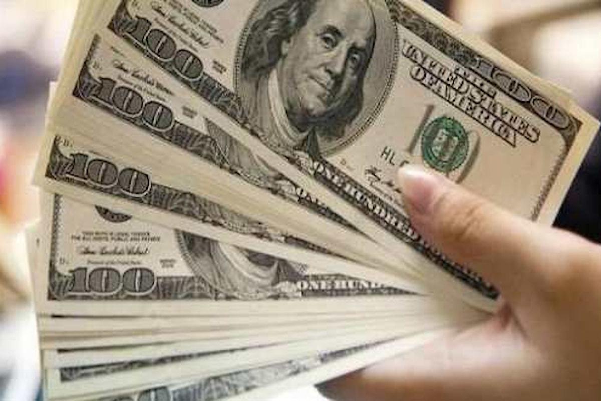 Dollaro in calo dopo l'annuncio della riforma Trump. Investitori scettici