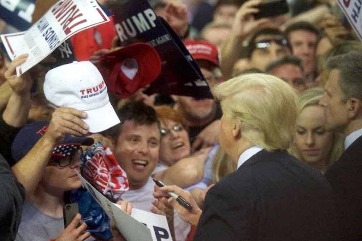 Donald Trump celebra con i suoi sostenitori i primi 100 giorni alla Casa Bianca