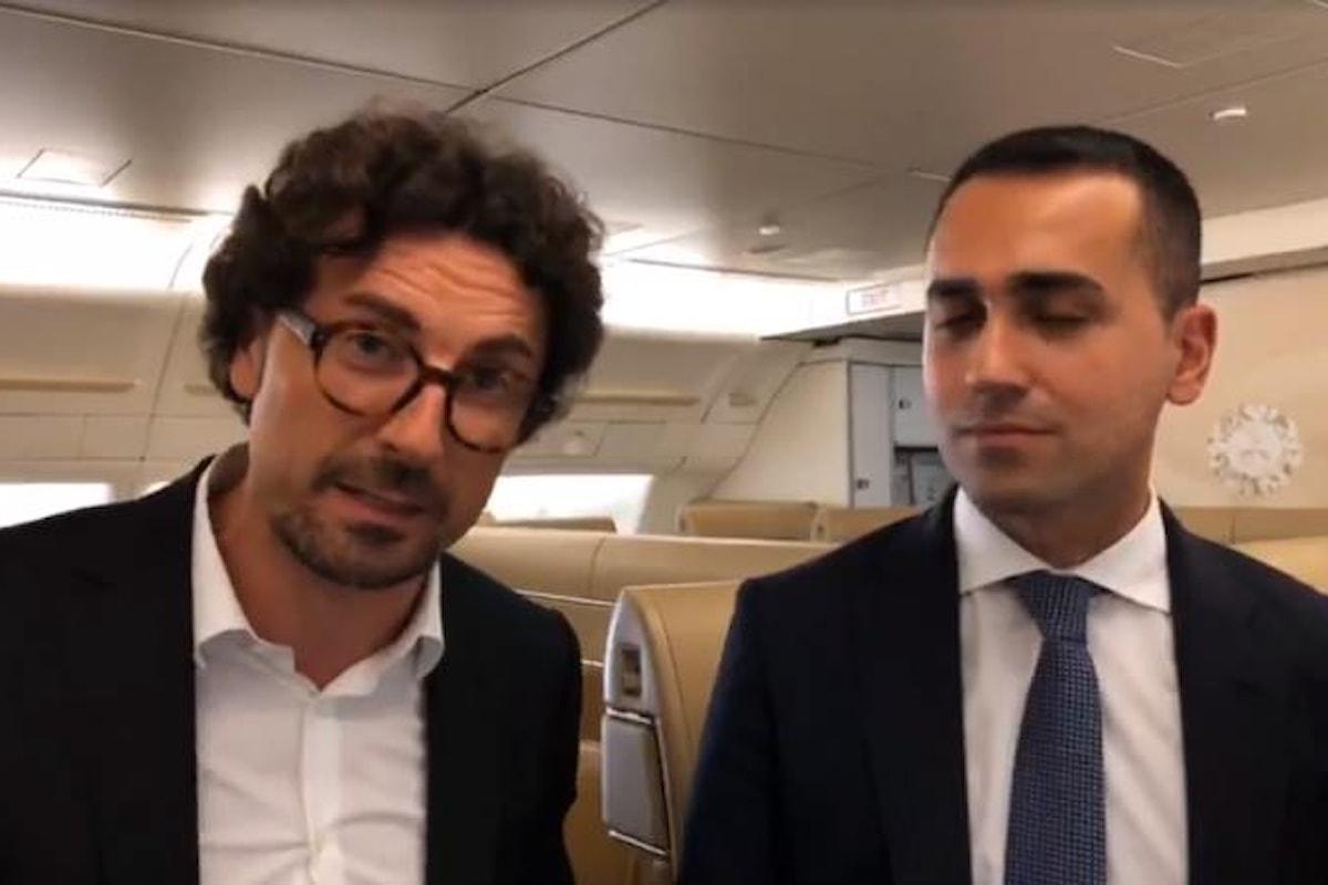 Toninelli e Di Maio rottamano l'Air Force Renzi. Il senatore semplice replica: è una bufala