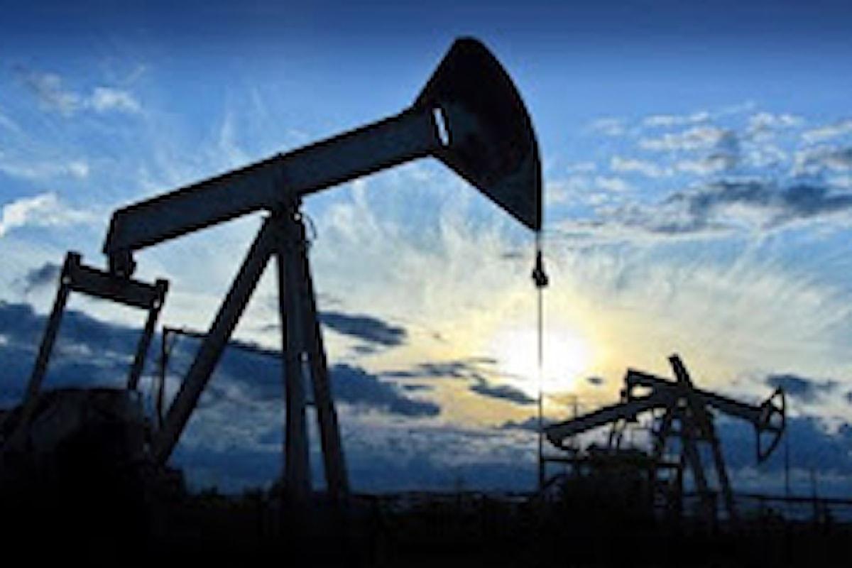 Mercato del petrolio ancora sotto pressione dopo i dati dell'EIA