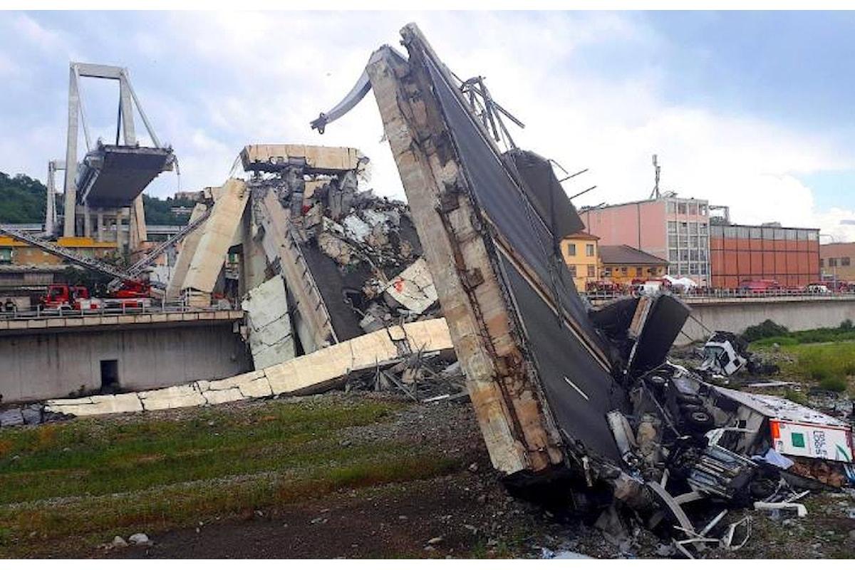 Crollo del ponte Morandi. A Genova continua l'opera di ricerca e soccorso, mentre aumenta il numero delle vittime
