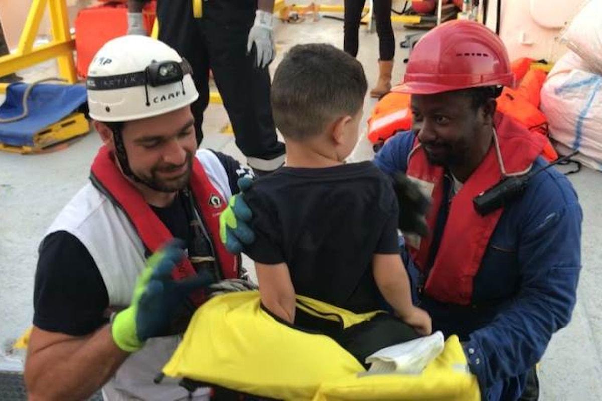 Francia, Spagna, Germania e Portogallo accoglieranno i 58 migranti a bordo dell'Aquarius