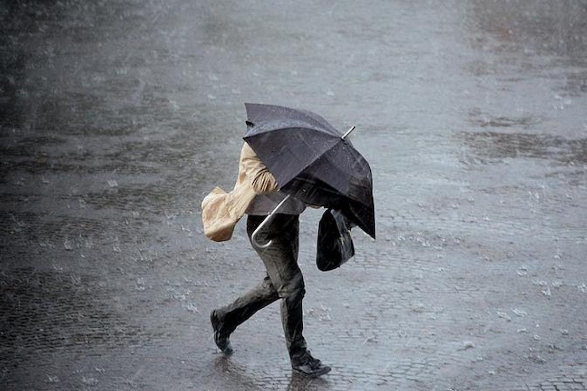Allerta meteo in Campania per lunedì 12 marzo: piogge forti e temporali