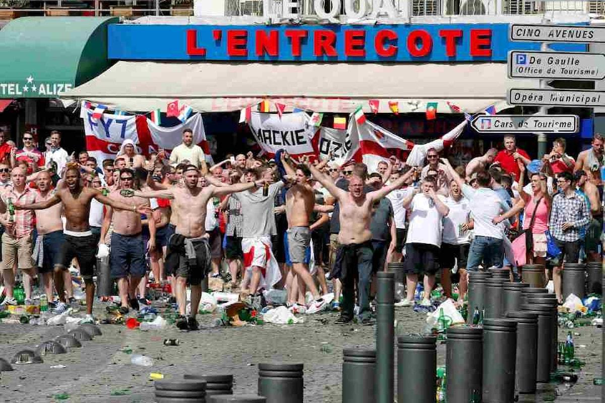 Euro 2016: gravi scontri fra tifosi russi e inglesi a Marsiglia