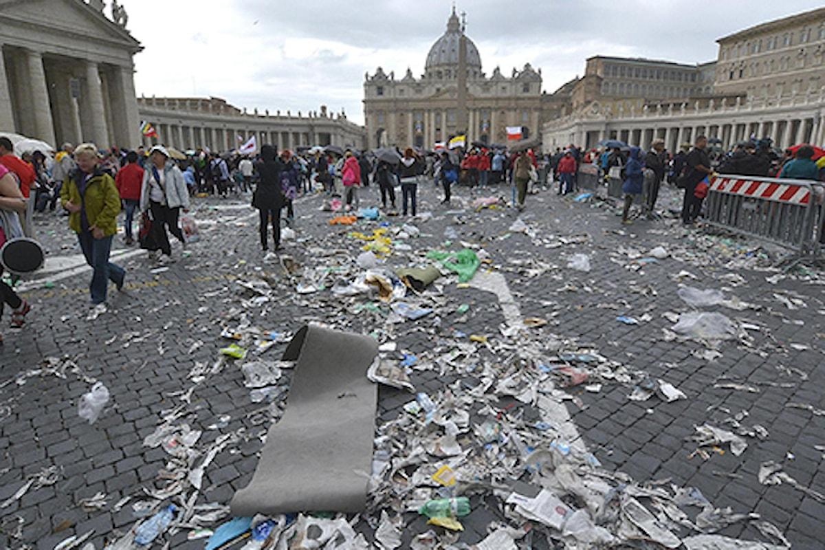 Osservatore Romano, il Vaticano si smarca dalle critiche alla Raggi.......hai visto mai che.....