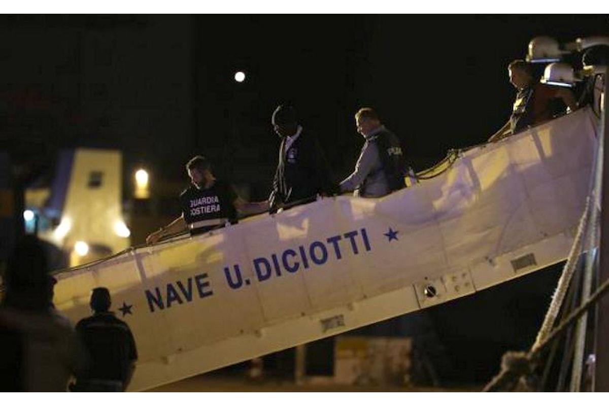 È dovuto intervenire Mattarella per far sbarcare i migranti dalla nave Diciotti